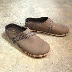 Chaco Caribou Harper Brown Leather Mule Clog